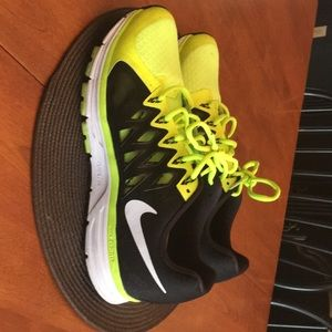 Nike Vomero 9. Soft and supportive running shoes.